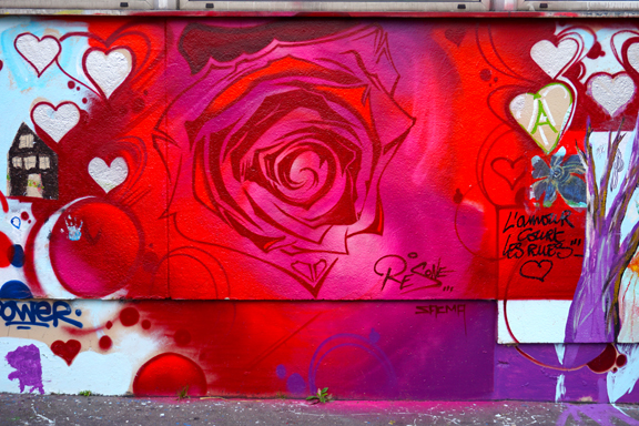 WALL OF LOVE-1