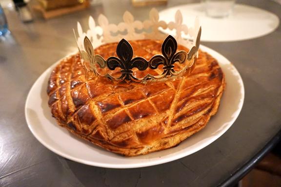 KINGS CAKE-1