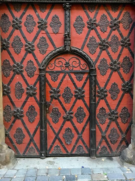 DOM 11-16-PRAGUE-1