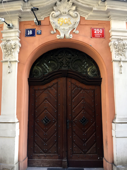 DOM 11-16-PRAGUE-9