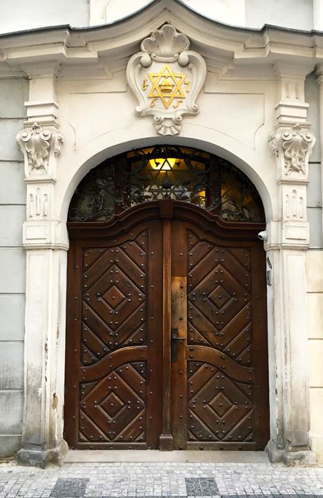 DOM 11-16-PRAGUE-12