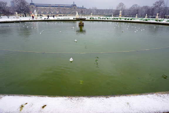 TUILERIES SNOW-5