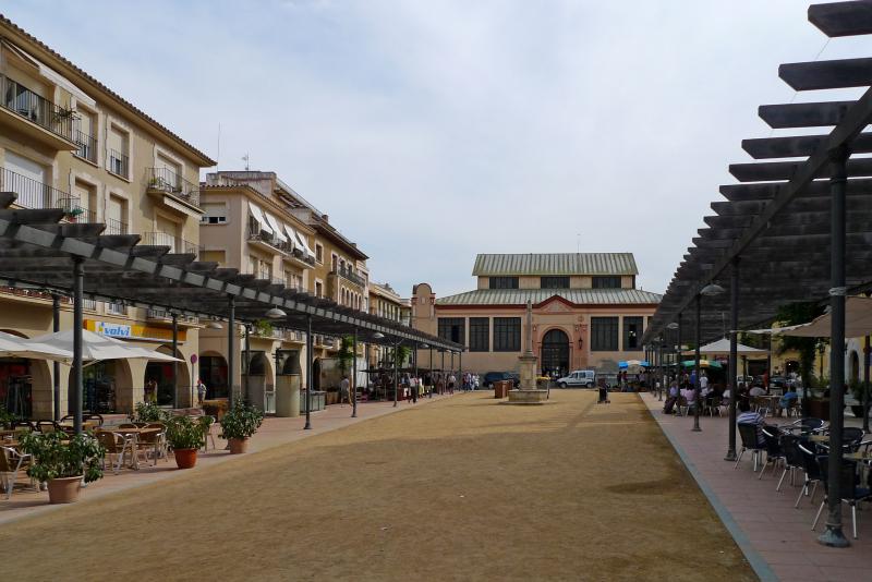 12.Sant Feliu central market